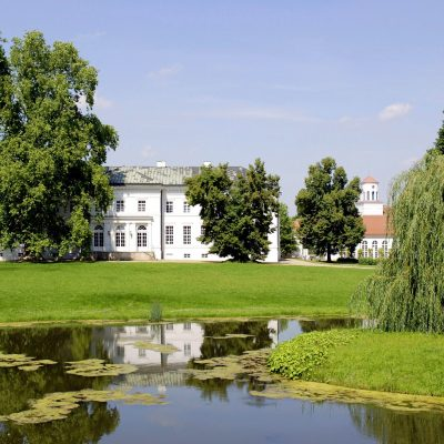 Schloss-Neuhardenberg-c-shutterstock