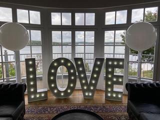 Leuchtbuchstaben_LOVE1